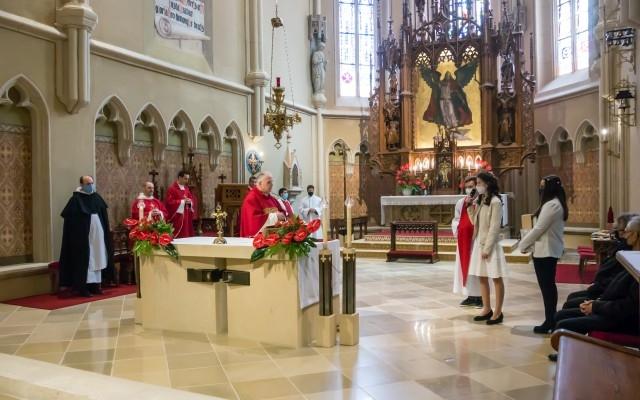 Bérmálás a Szent Mihály templomban